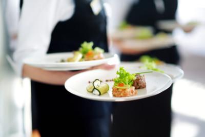 Kellner bei Gastro Trösch - PETERS Hotel & Spa